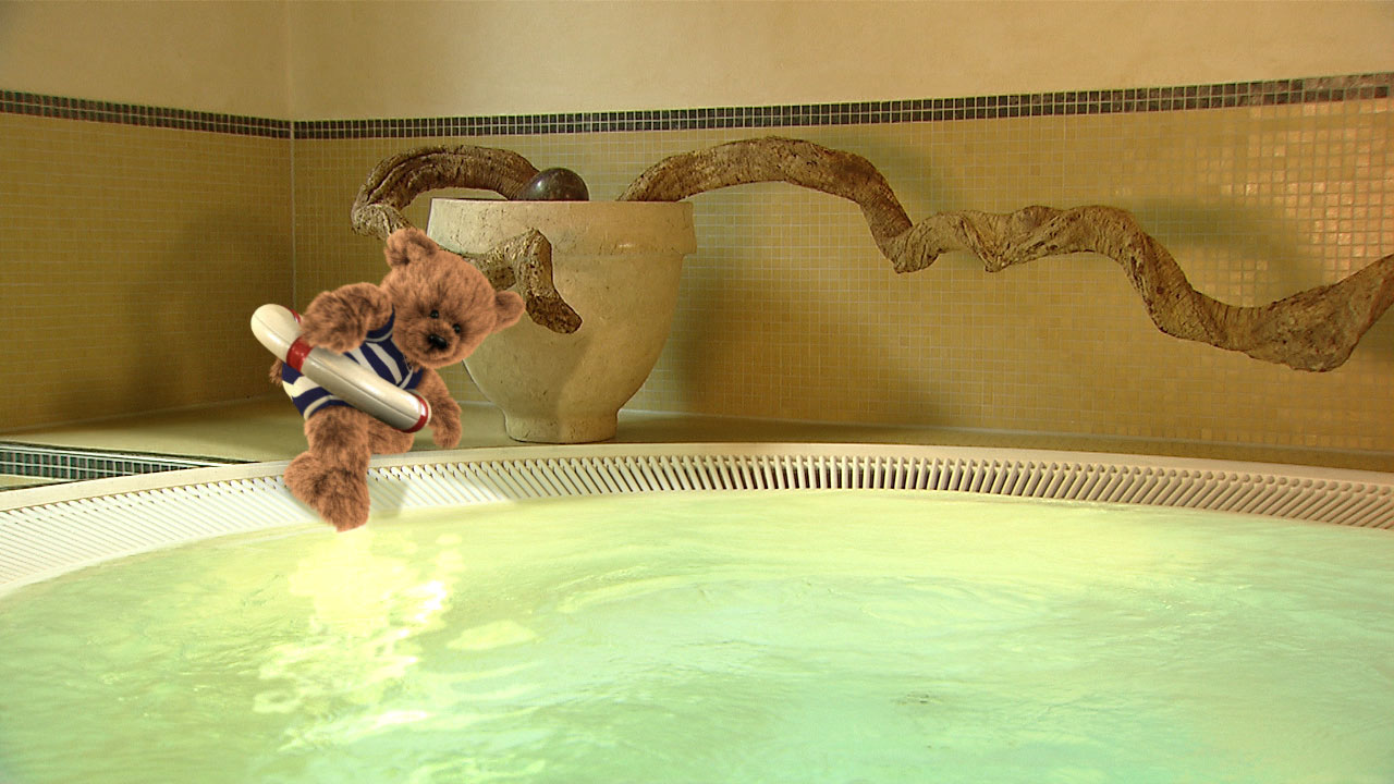 "teddy-pool Camera tracking, Charakter ""Teddy for Dorint"""